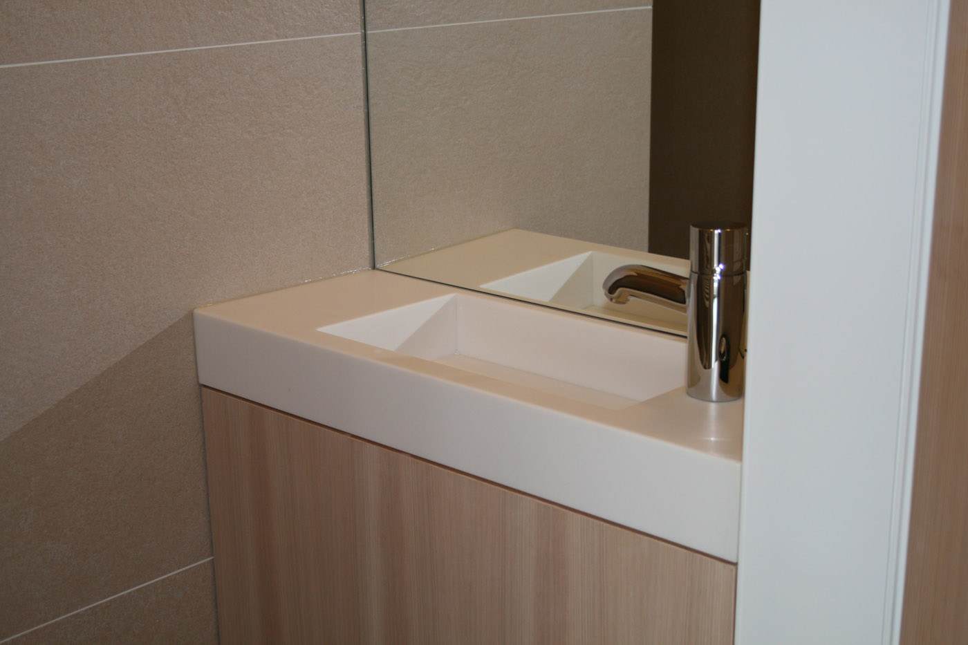 Nieuwe Badkamer Limburg : Denova keukens badkamer en meubels op maat regio torhout brugge